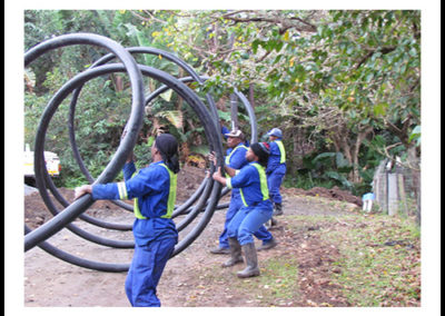 Uncoiling of HDPE Pipes
